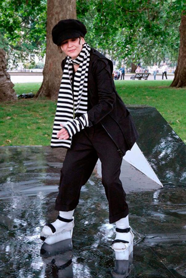 Дизайнер Брит Лейсслер придумала ледяные катки
