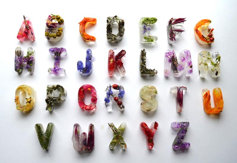26 букв английского алфавита изо льда