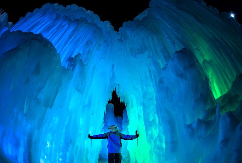 Сказочный ледяной дворец для детей