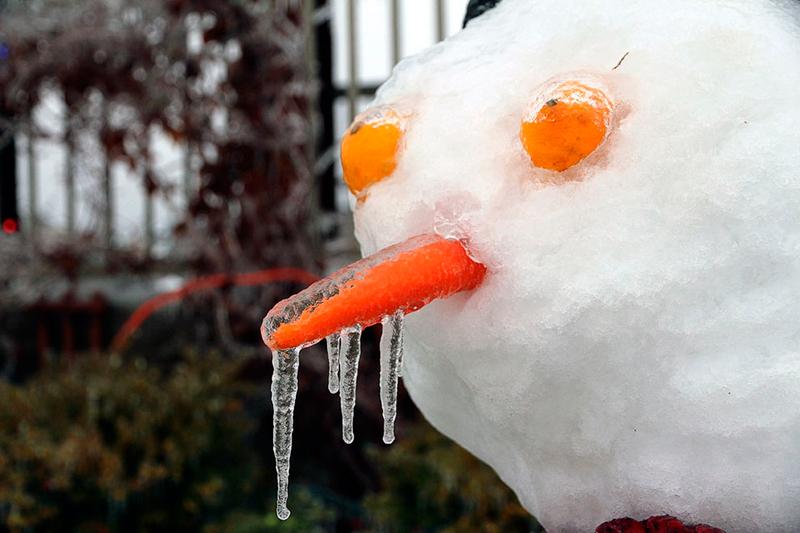 Снеговик замерз