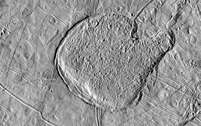 Илл.13. Структура в форме «варежки» могла образоваться в результате выхода на поверхность вязкого льда или даже воды.