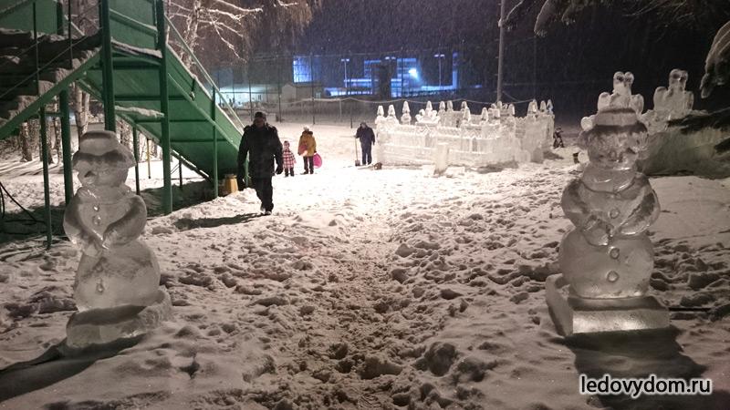 Ледяные скульптуры в Клубе Лужки