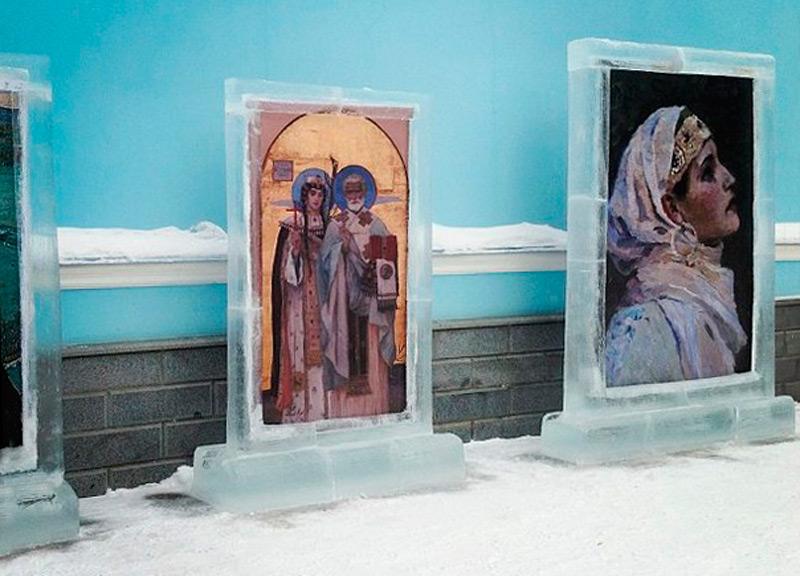 Арт-объект изо льда в Уфе