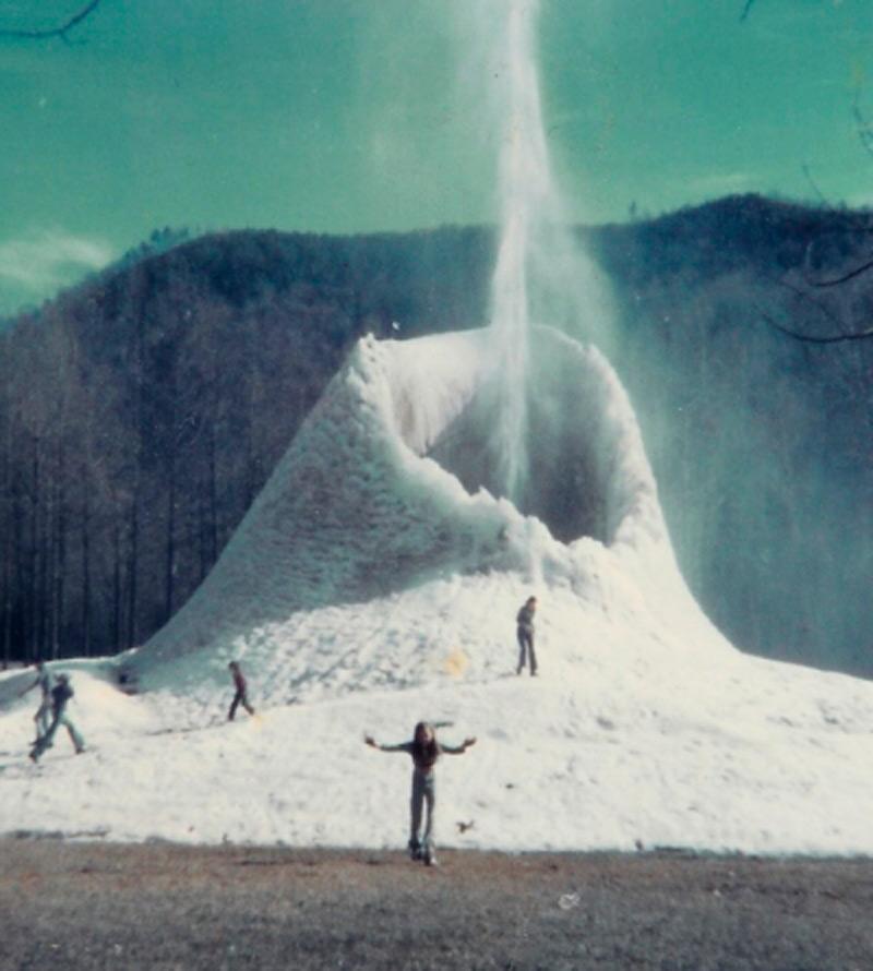 Ледяной гейзер Эндрюс, 1976 г.
