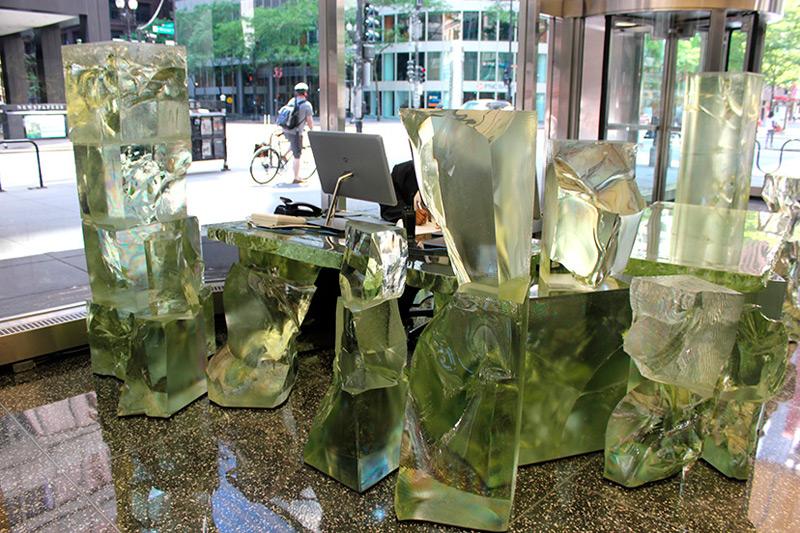 Мебель из зеленого оргстекла от Френка Гери