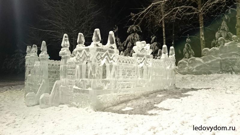 Замок изо льда