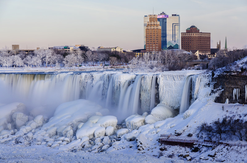 Сказочный вид Ниагарского водопада