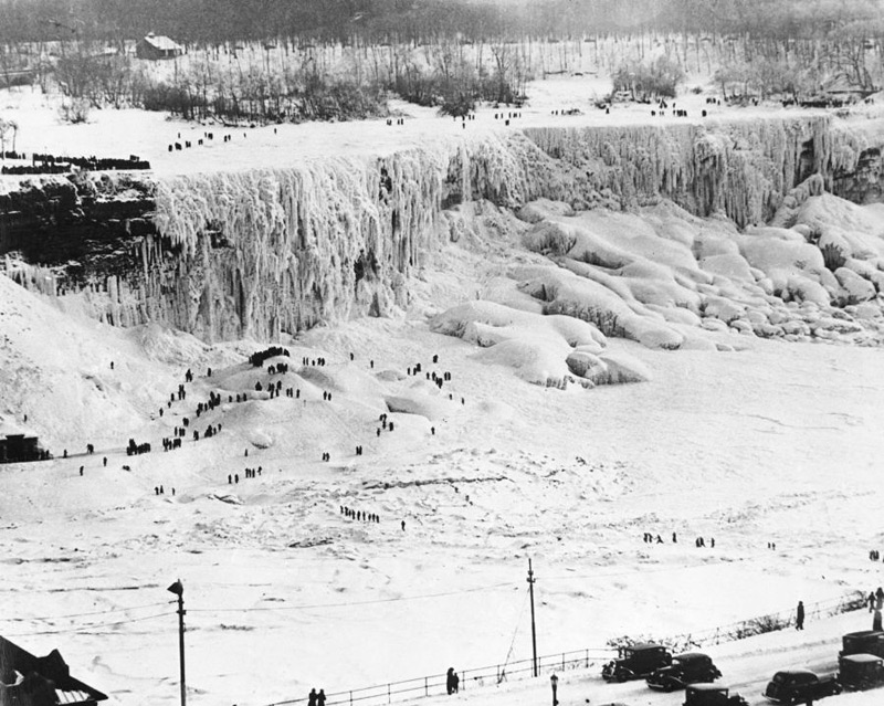 Замерзший Ниагарский водопад, 1930-е гг.