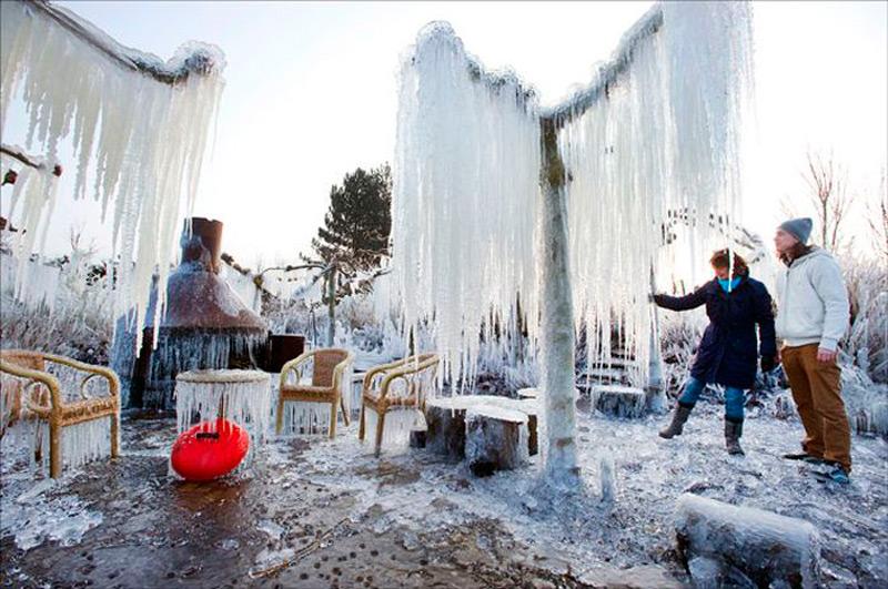 Креативный ледяной интерьер