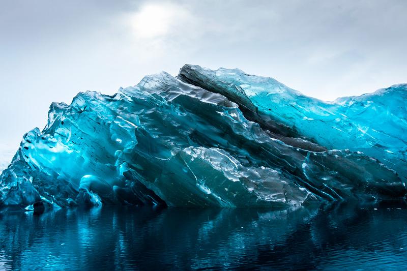 Прозрачный айсберг