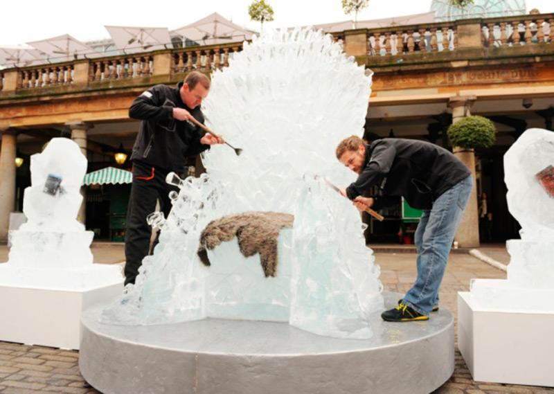 Монтаж ледяного трона