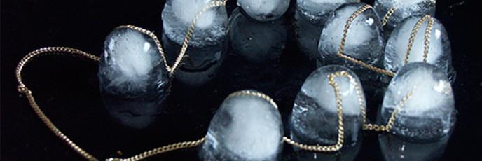 Ювелирные украшения изо льда