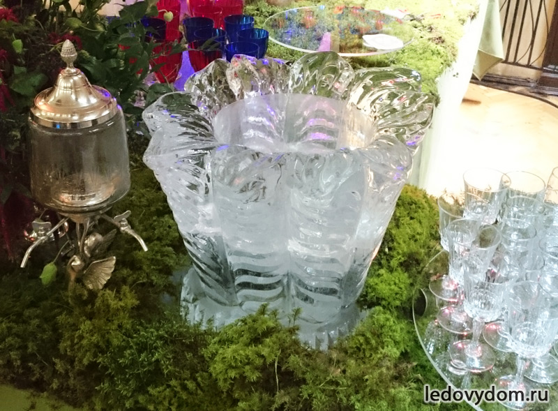 Ледяная ваза