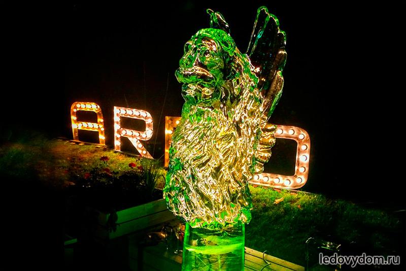 Ледяная скульптура для праздника