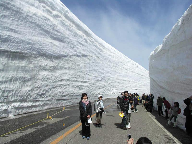 Национальная достопримечательность - Снежные стены